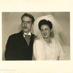 Fotografía oficial de la boda de Celso Emilio y Moraima. Gijón, 15 de julio de 1943 (Foto Jermán).