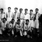 Celso Emilio, de pé o terceiro pola esquerda, xogaba no Spórting de Celanova de extremo dereito. Celanova, 1929.