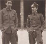 Celso Emilio, a la derecha, movilizado. Gijón, 1937.