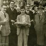 Celso Emilio, o primeiro pola esquerda, Filgueira Valverde, Pache, Luis María Iglesias Vilarelle, Juan Novoa e Ramón Peña na Festa dos Maios de 1945.